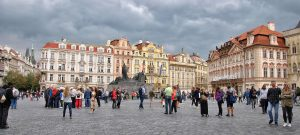 Selling housing units in Prague is more profitable than renting them